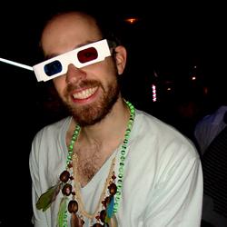 Crame surmonte l'hostilité de la foule beauf-funk du Palladium, survole de sa classe tropicale une soirée au Triptyque, et s'envole pour un ennui latino contre-intuitif mais programmé.